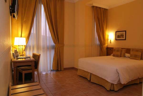 Rooms seccy boutique hotel fiumicino for Boutique hotel 0031